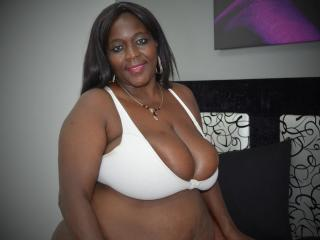 RandyGirlForU - Chat hard with this Lady with enormous melons