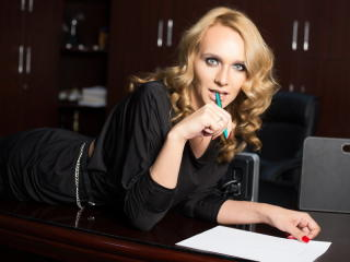 ChloeDelice - Sexy live show with sex cam on XloveCam
