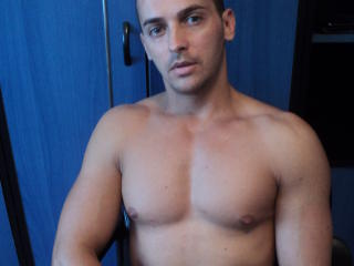 RonnyCock - Sexy live show with sex cam on XloveCam
