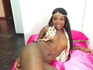 Wuaiira - Sexy live show with sex cam on XloveCam