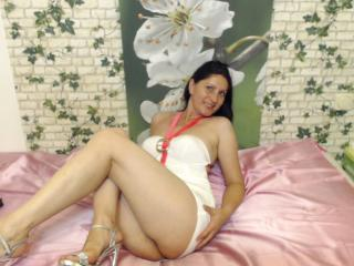 Manuela69 - Sexy live show with sex cam on XloveCam
