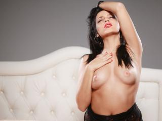 OnePrettyBunny - Sexy live show with sex cam on XloveCam