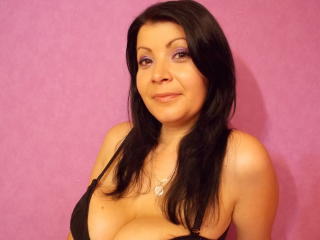 Melyssa69 - Webcam live hard with this shaved pubis Mature