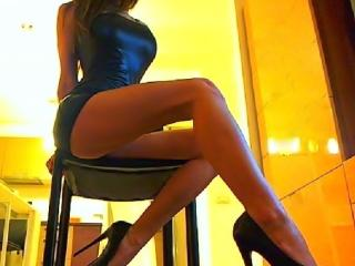 SexySimonne - Show exciting with a toned body Young lady