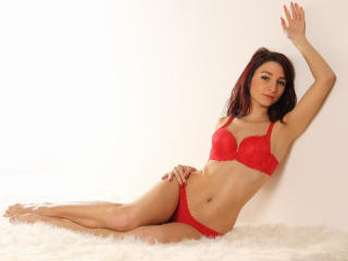 LaraJoy - Webcam sexy with this skinny body Hot babe