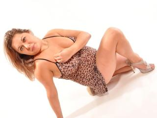 LaPrecieuse - Sexy live show with sex cam on XloveCam