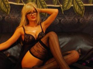 TresChaudeBlonde - online show nude with a gold hair Girl