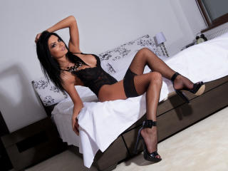 AmberWillis - Live chat hard with this shaved genital area Hot babe