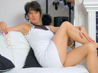 KellyMatureX - Webcam hot with this standard build Mature