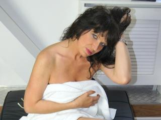 KellyMatureX - chat online exciting with a standard build Mature