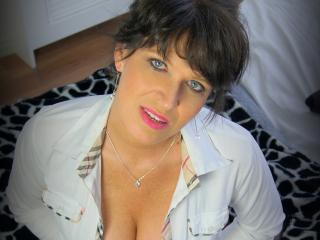 KellyMatureX - Chat live exciting with this being from Europe MILF