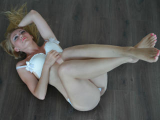 JulieFountaine - Sexe cam en vivo - 2675476