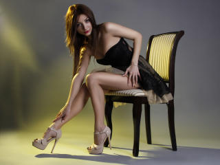 LaraJoy - Chat cam hard with a brown hair Young lady