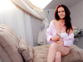 BrendaBelleForYou - online chat xXx with a European Mature