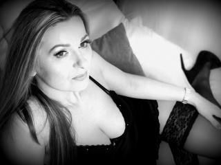 TessXsexy - Web cam exciting with this standard body MILF