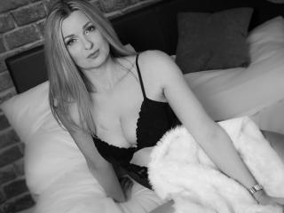 TessXsexy - Live chat exciting with this regular body Sexy mother