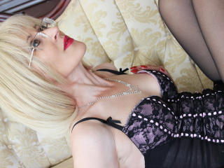 ExoticaForU - online chat x with a being from Europe Mature