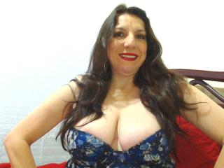 EdnamMature - Show exciting with this enormous cans Lady over 35