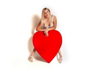 Sexy nude photo of EliseRosen