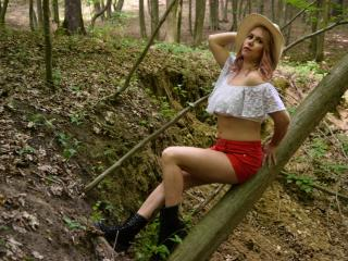 SandraHottest - Show xXx with this being from Europe Mature