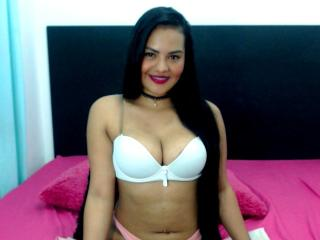 AleSexy69 steamy girl ass on cam