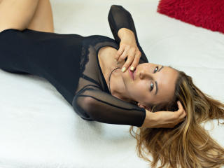 BelleLisaG - Live chat xXx with a standard build Young lady