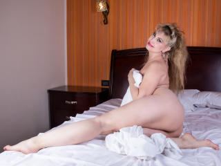 LadyMariahX - Webcam x with this White MILF