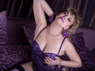 LadyMariahX - Show live exciting with this being from Europe Lady over 35