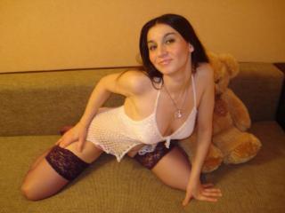 ArriannaSexy butt loving girl on webcam