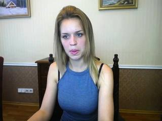 LalaLatte - Sexy live show with sex cam on XloveCam®