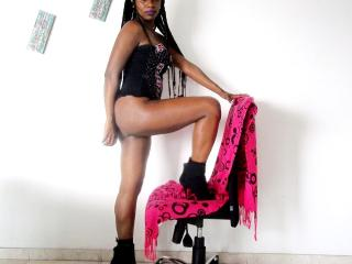 LaurenMinaj - chat online exciting with this shaved pubis Attractive woman