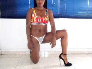 LaurenMinaj - Show sexy et webcam hard sex en direct sur XloveCam®