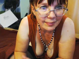 JuicyLady69 - chat online sex with a redhead Lady over 35