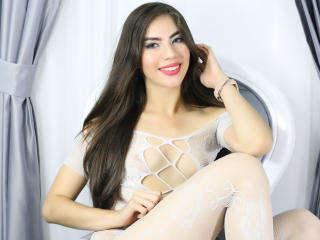 BiancaKamel - Show live x with a latin american Sexy babes