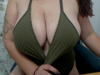 ChaudePourxToi - Chat cam porn with this European Hot chicks