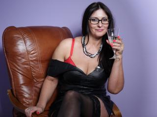 SophieSexy - Show nude with this big bosoms MILF