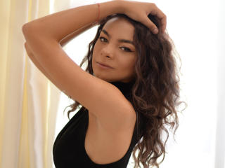 UmmaViolet - Cam exciting with this European Sexy babes