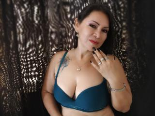 QuezNasty - chat online nude with a latin MILF