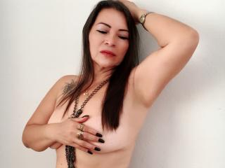 QuezNasty - online show exciting with a latin american MILF