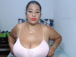 LiaBigSquirt - Sexy live show with sex cam on XloveCam®