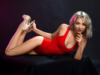 LaraJoy - Chat cam xXx with this shaved genital area Hot chicks