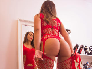 MiaJules - Sexy live show with sex cam on XloveCam®
