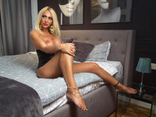 SexyCynthyaX - online show porn with this standard body Hot chick