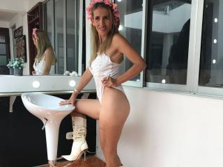 CrystallLadyLove - Sexy live show with sex cam on sex.cam