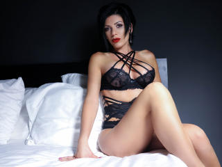 ArieleHoe - Sexy live show with sex cam on XloveCam®
