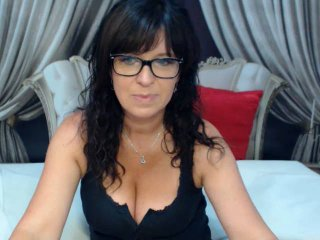 KellyMatureX - Live sex with a big bosoms Sexy mother