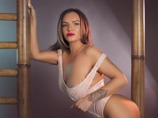 JolieKarisa - Sexy live show with sex cam on XloveCam®