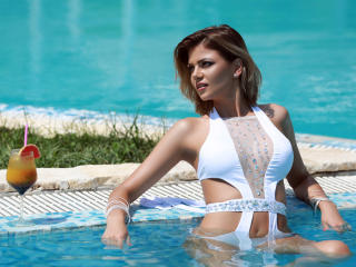 OneDesiredMia - Sexy live show with sex cam on XloveCam®