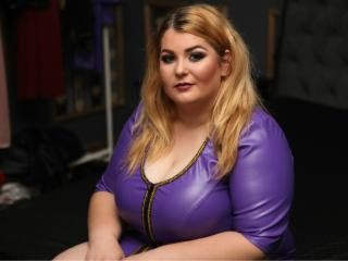 BustyFetishKim - Chat cam x with a shaved genital area Dominatrix