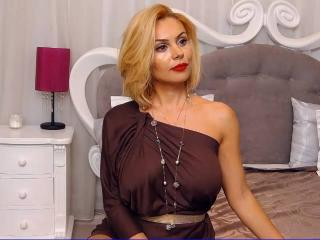 UniquePenelope - Sexy live show with sex cam on XloveCam®